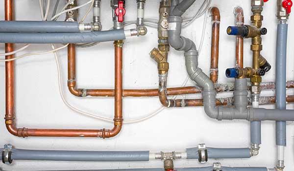 Impianto-idrico-sanitario-correggio