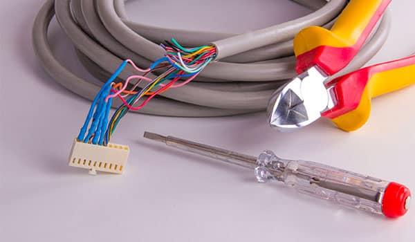 Elettricista-montaggi-elettromeccanici-carpi