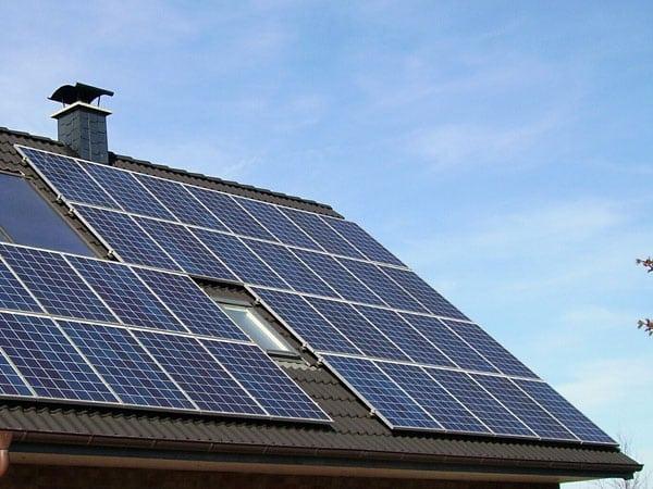 Moduli-per-impianto-fotovoltaico-correggio