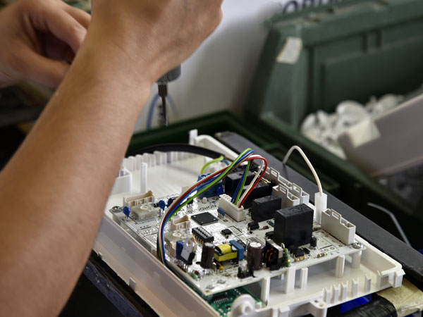 Montaggi-elettromeccanici-conto-terzi-correggio